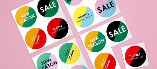 4 sheets of 4 round stickers to label items on sale or from the new season collection