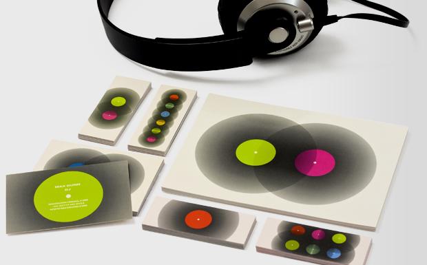 De Carte Visite Penses Pour Les DJ Comme Cartes Contact Qui Feront Que Promoteurs Et Proprietaires Club Regarderont A Deux Fois